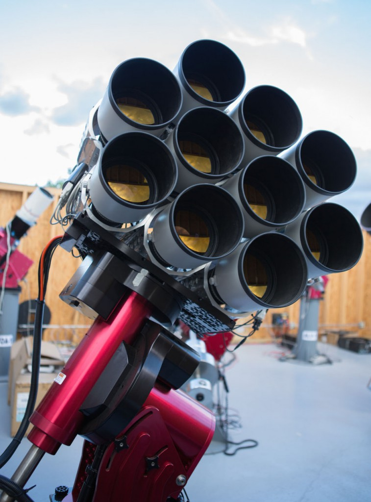 The Dragonfly Telephoto Array, a robotic imaging system optimised for the detection of extended ultra-low surface brightness structures. The array consists of Canon 400mm f/2.8LISIIUSM telephoto lenses coupled to science-grade commercial CCD cameras. The lenses are mounted on a common framework and are co-aligned to image simultaneously the same position on the sky. Image credit: University of Toronto, Dunlap Institute for Astronomy and Astrophysics.