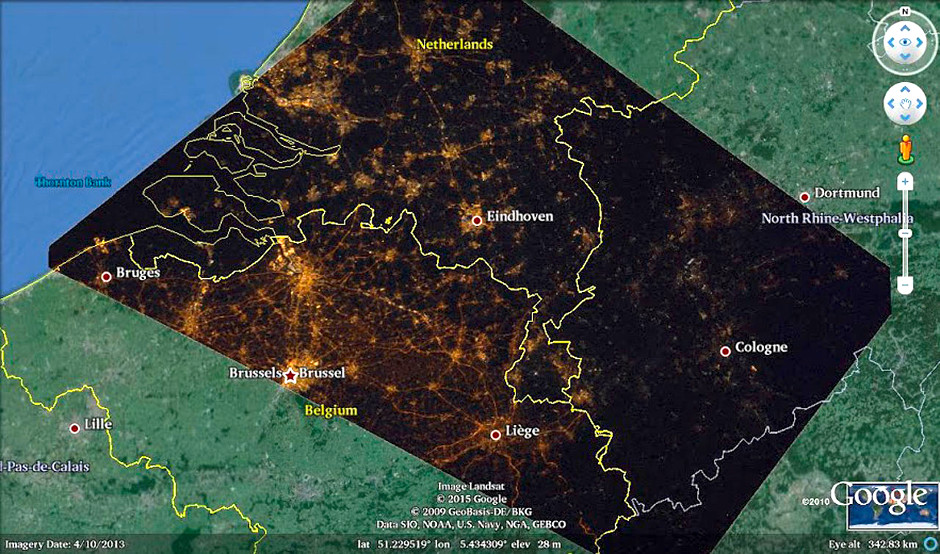 An example of the differences between countries seen from the ISS. Belgium uses mainly orange lighting (low pressure sodium lamps) and illuminates all its highways, The Netherlands illuminates only a few highways. Germany does not light its highways and has much lower illumination levels. Google outreach contributed to the project. Image credit: Cities at Night project/NASA/ESA.